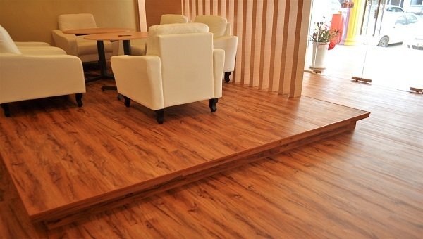 Sàn gỗ phòng khách cao cấp