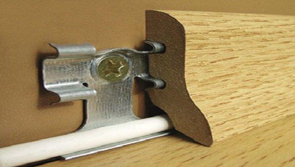 Lót sàn gỗ hèm khóa